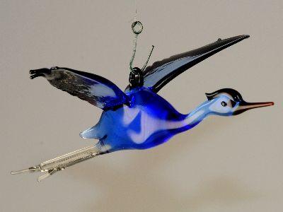 reiher fliegend zum h ngen blau violett glas geschenke. Black Bedroom Furniture Sets. Home Design Ideas