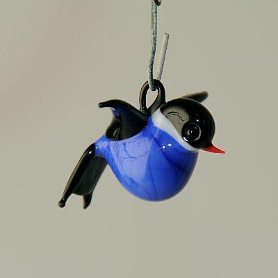 blaumeise zum h ngen klein blau schwarz glas geschenke. Black Bedroom Furniture Sets. Home Design Ideas