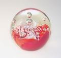 Traum-Glas-Kugel medium, klar mit rot weißer Blume