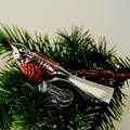 Vogel versilbert, Flügel rot bemalt, Glasschwanz