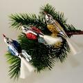 Vögel versilbert,Flügel blau,rot,gold bemalt,mit Glasschwanz